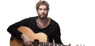 Arno Carstens Biography